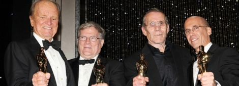 El productor George Stevens Jr, el documentalista D.A. Pennebaker,  el doble de acción Hal Needham y el ejecutivo Jeffrey Katzenberg fueron galardonados con premios honoríficos de la Academia en 2012.